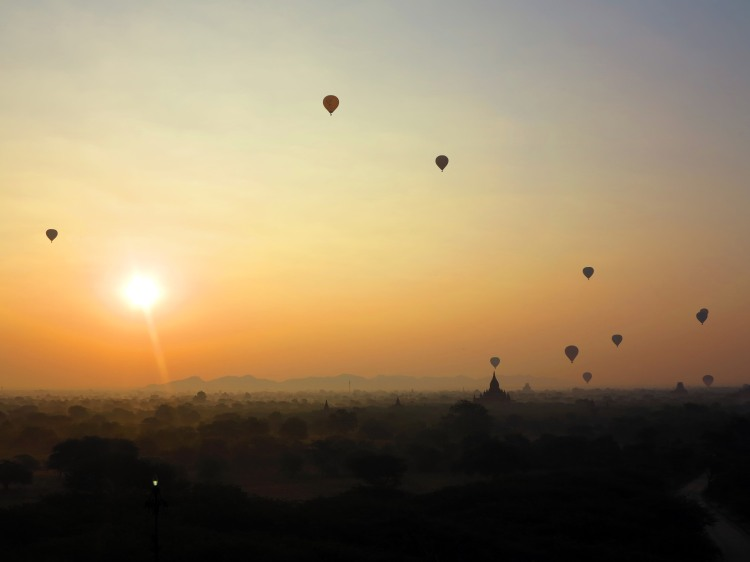 mya-bagan-ballon-sunrise-4