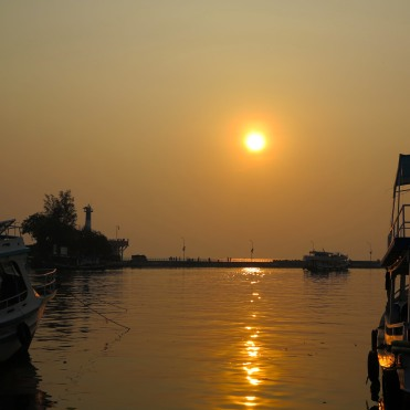 viet-phu-quoc-duong-dong-port-sunset