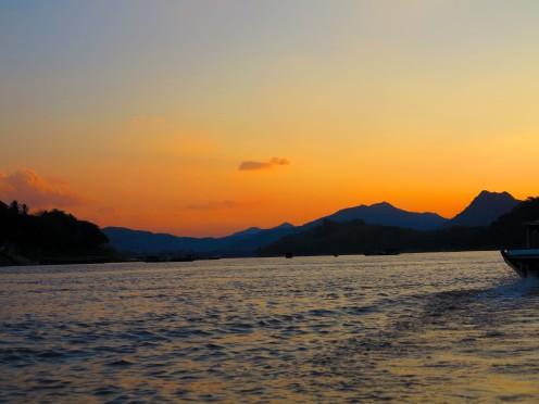 laos-luang-prabang-mekonk-sunset-1