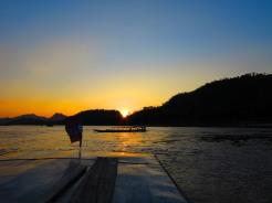 laos-luang-prabang-mekonk-sunset-2