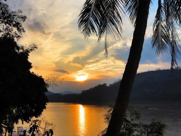 laos-luang-prabang-sunset-1