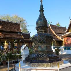 laos-luang-prabang-temple-12