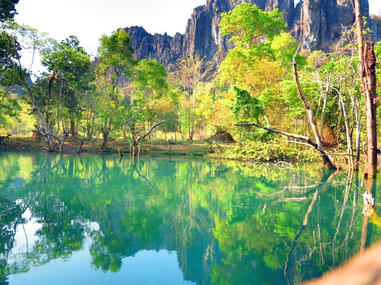 laos-thakhek-loop-blue-lagoon-1