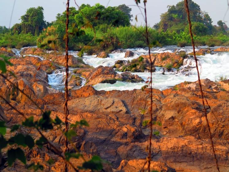 laos-4000-iles-waterfalls-1
