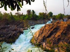 laos-4000-iles-waterfalls-2