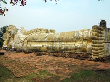 thai-ayu-buddah-couché