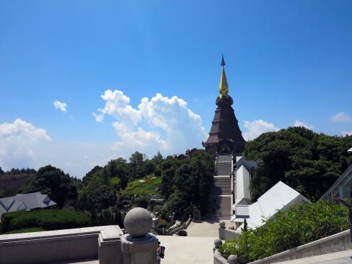 thai-chiang-mai-pagode-roi-1