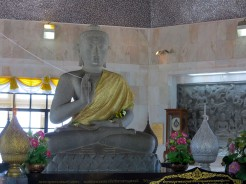 thai-chiang-mai-pagode-roi-2