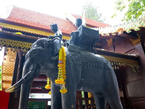thai-chiang-mai-wat-phrathat-doi-suthep-8