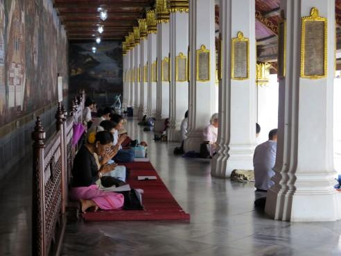 thai-temple-emerald-buddha-8