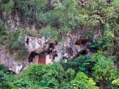 indo-sulawesi-tanah-toraja-enterrement-paroi-3